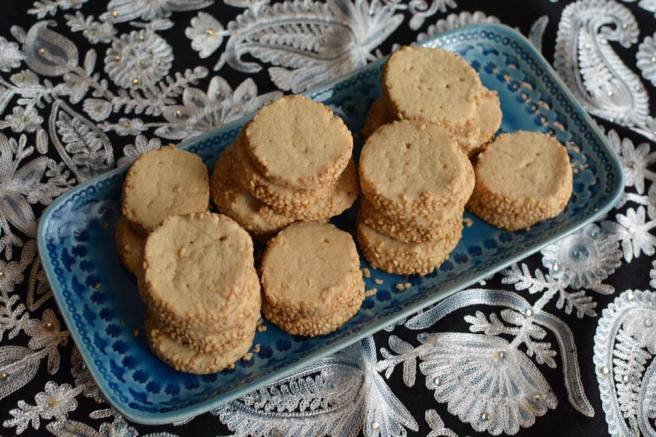 Tahini shortbread